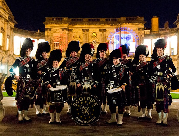 Full Pipe Band